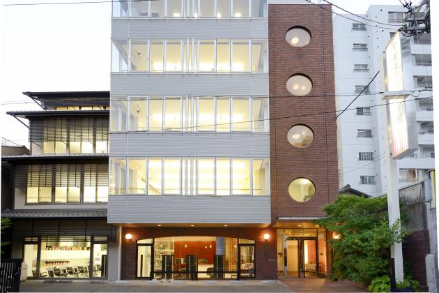 学校法人京都美容学園 京都美容専門学校